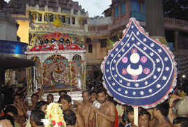 Deities are coming from Jagannath Temple to Narendra Tank